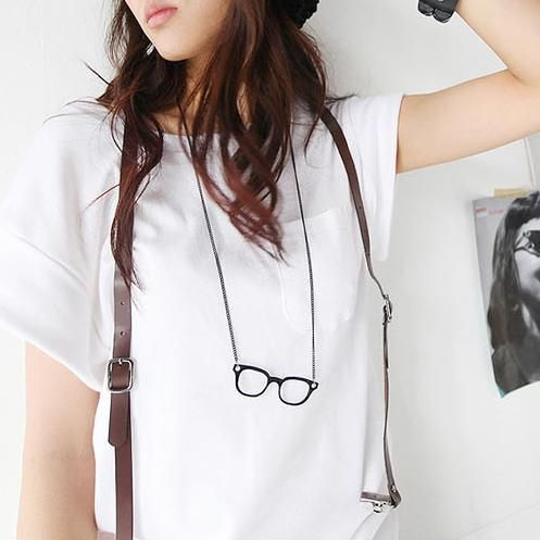 Fashionable Vintage Style Glasses Shape Necklace