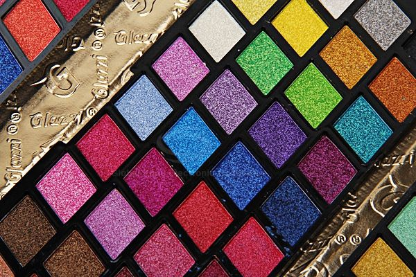 120 Vivid Charming Colors Eyeshadow with Gold Leather Clutch Bag Shaped Case Professional Makeup Kit Cosmetic Set