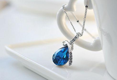 Sparking Waterdrop Rhinestoned Pendant Women's Necklace