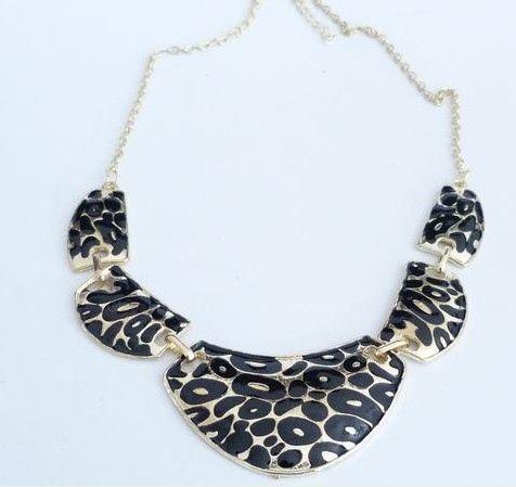 Vintage Leopard Pattern Pendant Necklace