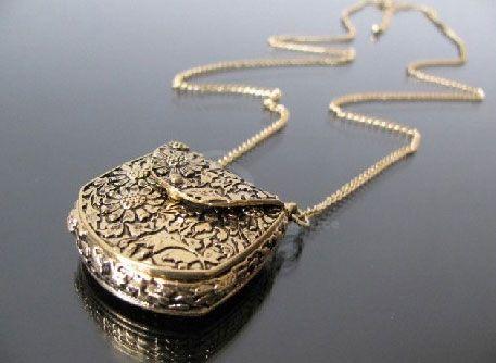 Daisy Print Handbag Shaped Sweater Chain Necklace