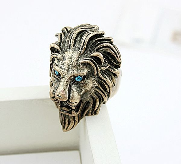 Cool Rhinestone Lion Shaped Finger Ring