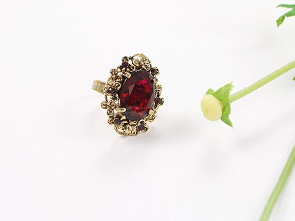 Oval Fake Crystal Finger Ring