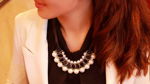 Fake Crystal Pearl Ribbon Necklace