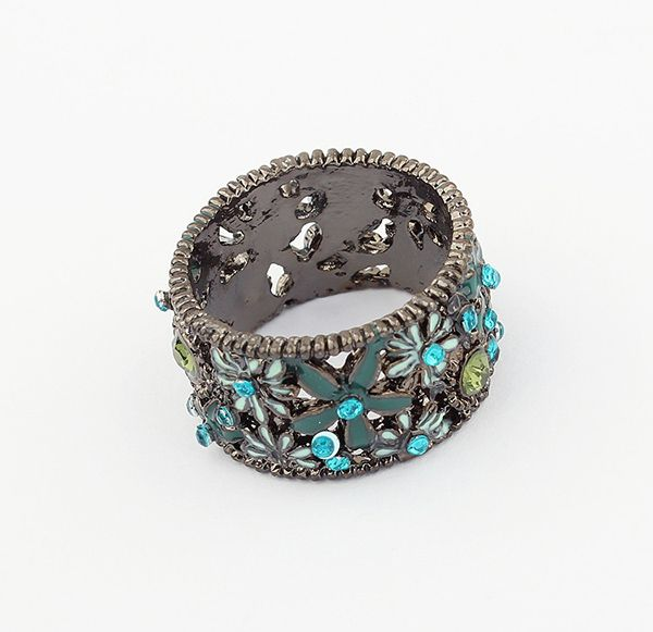 Rhinestoned Flower Decorated Alloy Ring