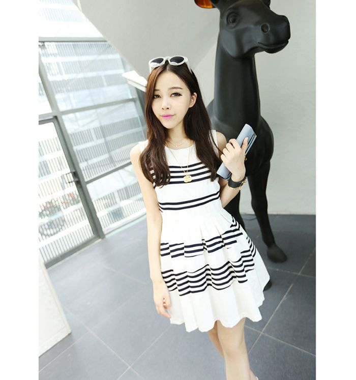 http://www.rosegal.com/dresses/glamour-fold-color-block-stripe-53885.html