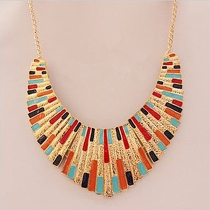Statement Alloy Fan Shaped Pendant Necklace