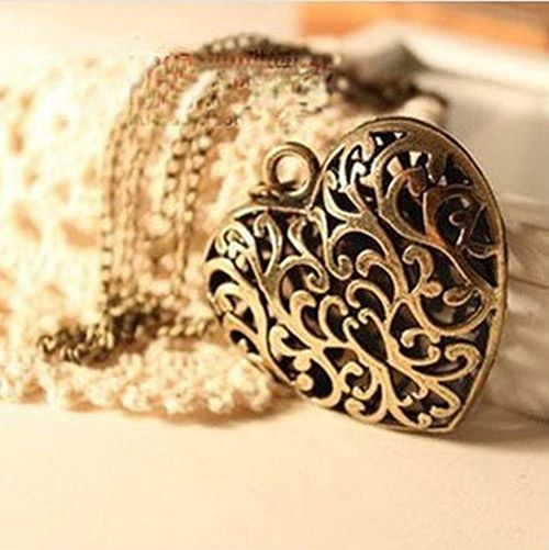 Vintage Hollow Design Heart Shaped Pendant Alloy Sweater Chain Necklace For Women