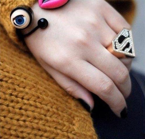 Sweet Rhinestoned Letter S Pattern Design Triangle Ring For Women
