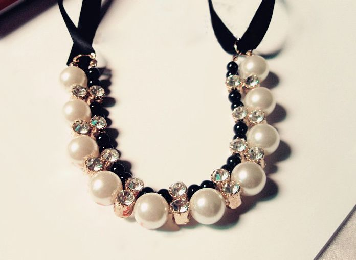 Gorgeous Chic Style Pearl and Rhinestone Decorated Black Ribbon Necklace For Women
