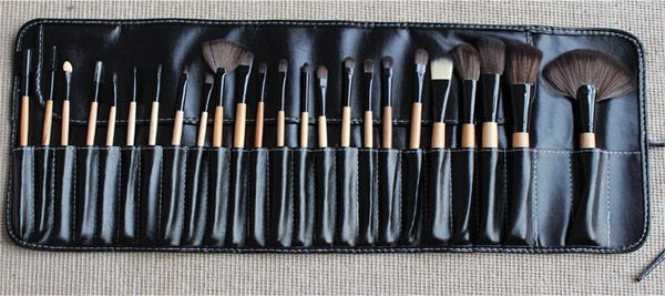 High-end Log Brush Sets Soft Cosmetic Face Make-up Brush Powder Brush for Lady (24Pcs)