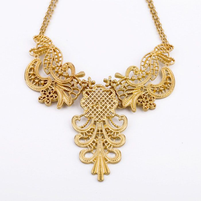 Alloy Hollow Out Flower Pendant Necklace