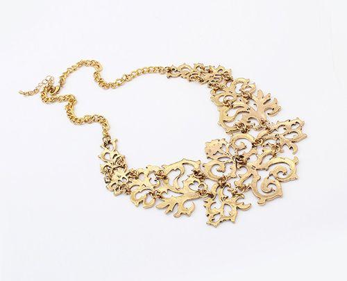 Openwork Carved Flower Pattern Necklace