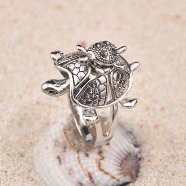 Retro Rhinestone Tortoise Shape Ring