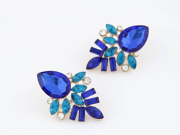 Pair of Chic Rhinestone Leaf Earrings For Women