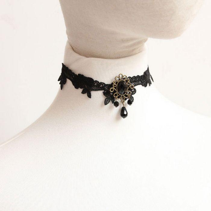 Vintage Lace Openwork Hem Rhinestone Pendant Necklace For Women