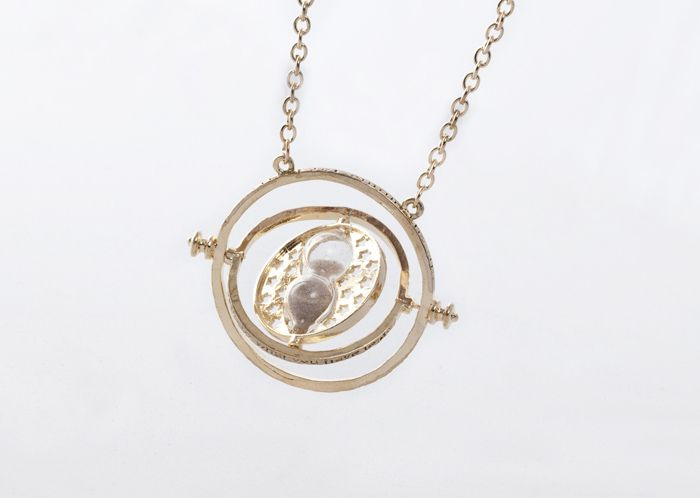 Retro Alloy Sand Clock Pendant Necklace