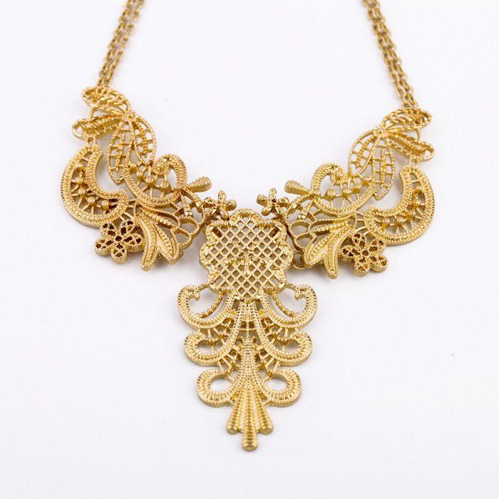 Vintage Openwork Flower Shape Pendant Necklace