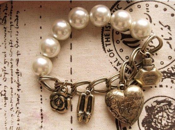 Multi-Pendants Heart Flower Faux Pearls Decorated Bracelet