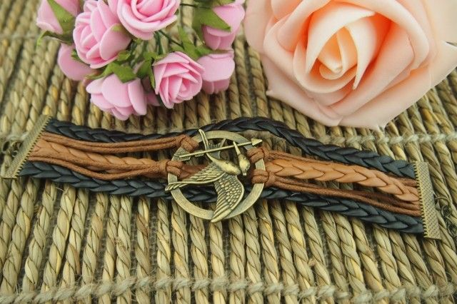 Vintage Arrow Bird Round Braided Friendship Bracelet