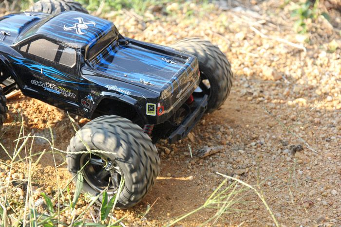 9115 Same Version GPTOYS S911 1 / 12 Scale Supersonic Explorer Monster 2.4G RC Truck Car Toy with 2 - Wheel Driven Electric Racing Truggy