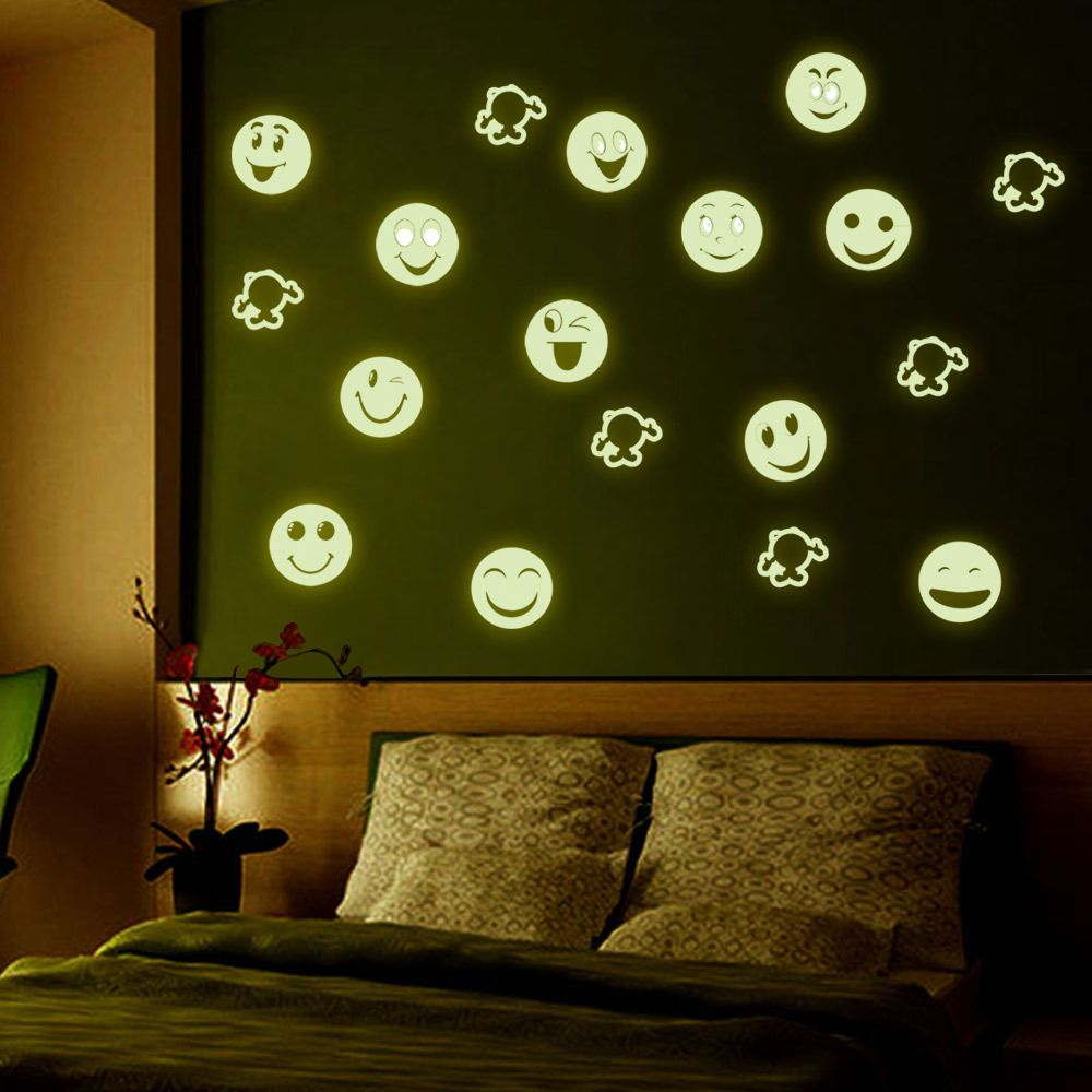 Fashion Luminous Cartoon Smiling Face Pattern Wall Sticker For Bedroom Decoration