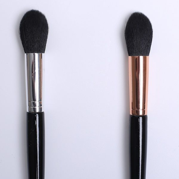 Flame Nylon Blush Brush