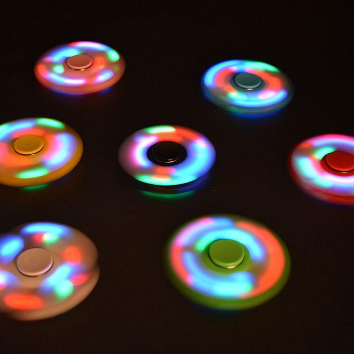 Tri-bar Plastic Fidget Spinner with Flashing LED Lights