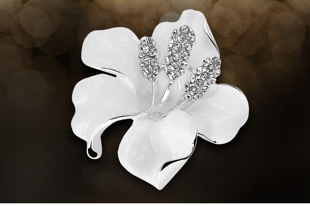 Rose Shape Rhinestoned Platinum Plated Brooch