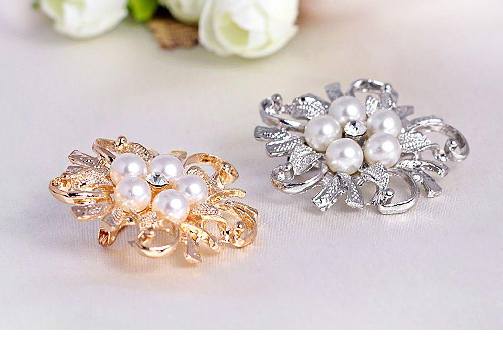 Fake Pearl Flower Shape Brooch