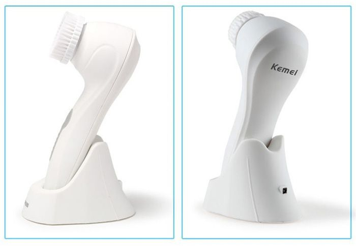 KEMEI KM-6066 IPX7 Waterproof Ultrasonic Electric Facial Cleaner Face Oils Removal Blackhead Acne Cleansing Brush